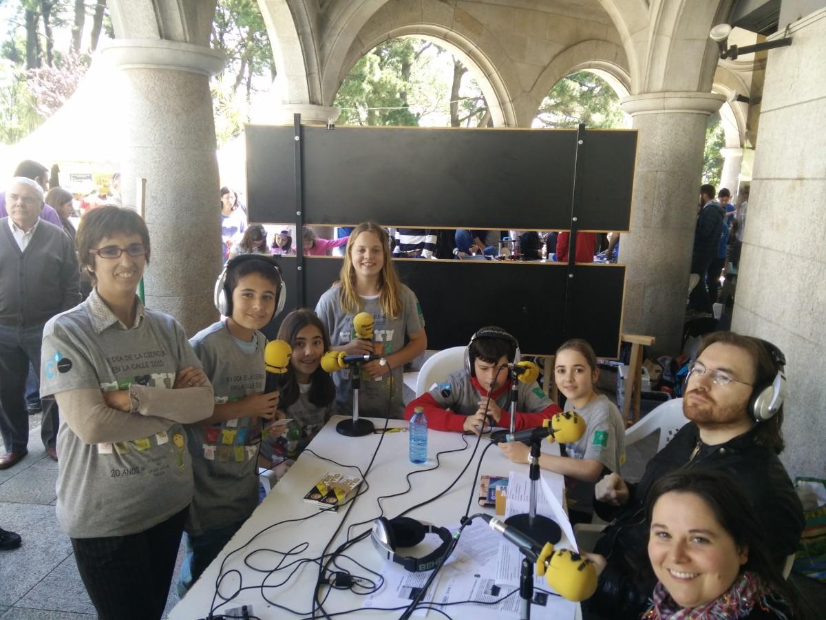 CUAC FM no día da ciencia na rúa 2015