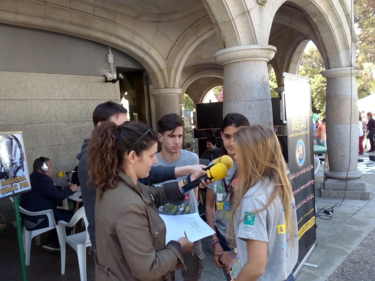 CUAC FM no dia da ciencia na rúa 2015